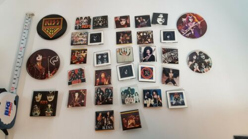 VINTAGE KISS BUTTON COLLECTION