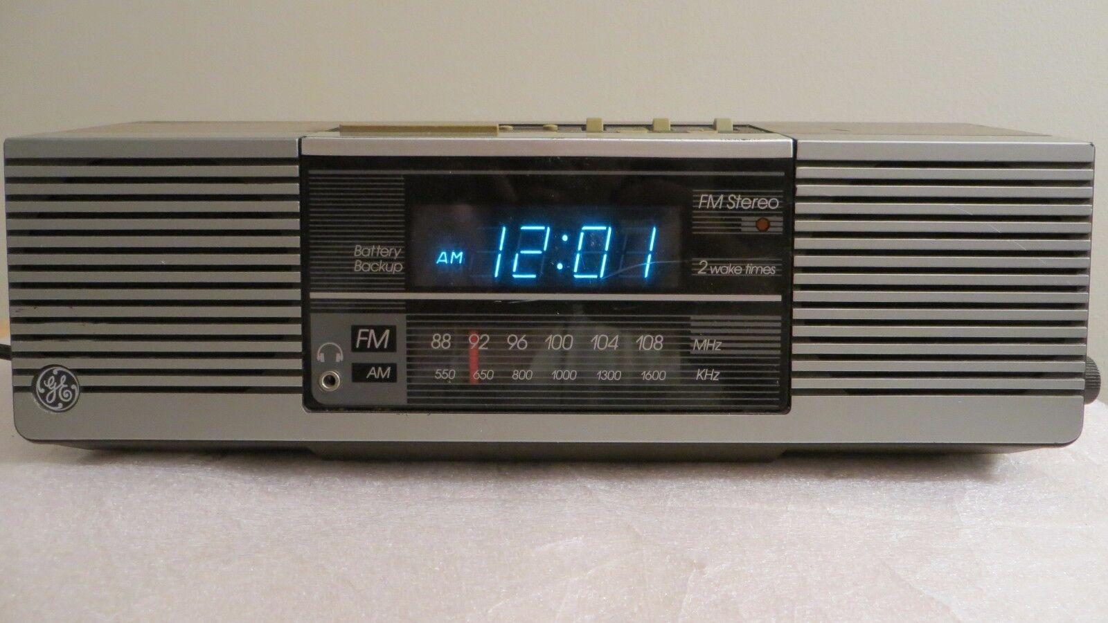 VTG General Electric GE Blue Digital Alarm Clock Radio AM/FM Model No. 7-4945A