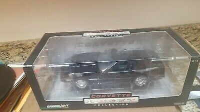NIB Greenlight Corvette Collection 1/18 Black 1984 Corvette Car Ltd Edition