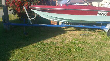 16ft boat and good boat trailer.. licensed  Langford Gosnells Area Preview