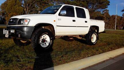 2004 Toyota Hilux Dual cab 4 x 4 Ute Airport West Moonee Valley Preview