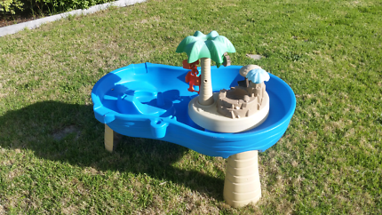 Childs water play table