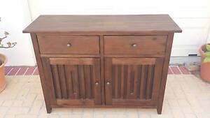 SOLID TIMBER BUFFET, VGC! Greenslopes Brisbane South West Preview