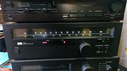 Sansui T-60 AM/FM Stereo Tuner