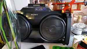 Sony boom box. Awesome. Works perfect Corrimal Wollongong Area Preview