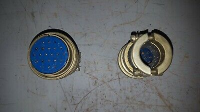 Lot Of 2 Amphenol Connector An-3057-24