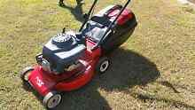 Victa Lawn Mower 4 stroke McGraths Hill Hawkesbury Area Preview