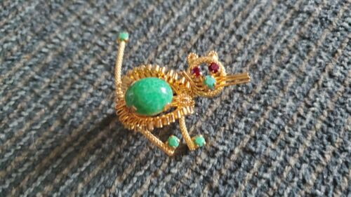 Brooch Pin Cat Signed Austria Vintage GREEN STONE GOLD TONE