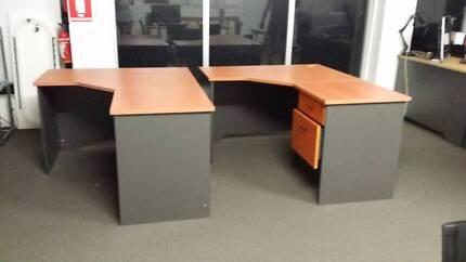 2 OFFICE DESK Ashmore Gold Coast City Preview