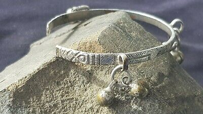 U.Rare Stunning Viking girls/ladies Silver bracelet A must read description L96e