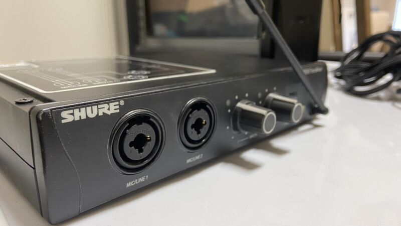 Shure PSM200 Wireless In-Ear Monitor System Transmitter + Receiver + AC Adaptor