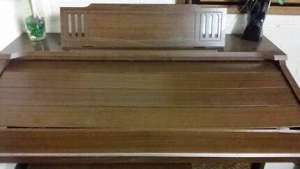 Electric organ with stool and sheet music Goodwood Glenorchy Area Preview