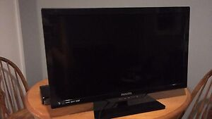 """27"""" tv for sale PHILIPS"""