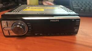 PHILLIPS CAR STEREO CEM200/98 Morisset Lake Macquarie Area Preview