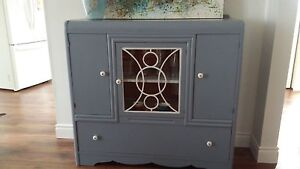 40/50 kitchen cabinet (painted)