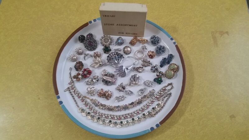 Lot Of Vintage Designer Signed Costume Jewelry For Repair Or Parts Trifari, Coro