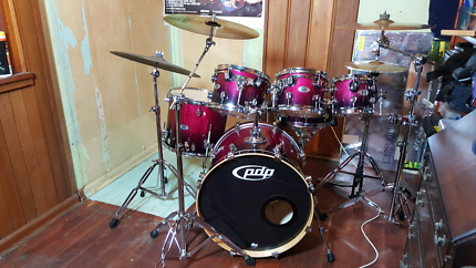 Drum Kit PDP X7 Series, Cymbals, Road Cases and more.
