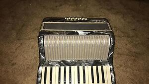 RARE silver pearl Accordion Winmalee Blue Mountains Preview