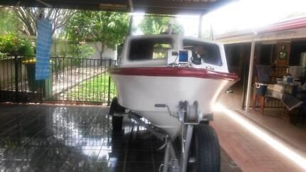 bell boy 4.4 m boat