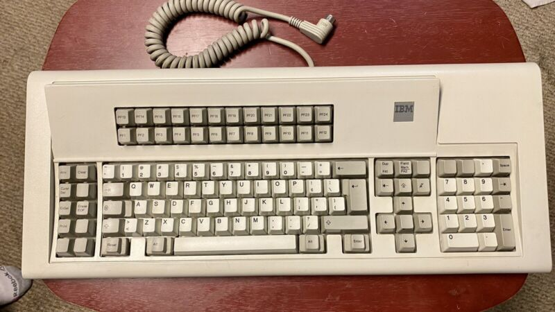 "Vintage IBM Model M F1 122 Key ""Battleship"" (1390238, 1989)"