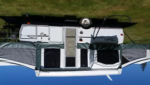 2005 Flaggstaff Hardtop Trailer Camper