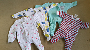 Tiny baby clothes 00000 (premmie) Gowrie Junction Toowoomba Surrounds Preview