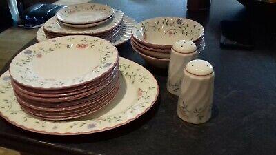 large quantity summer chintz johnson brothers pottery, platter, side plates etc