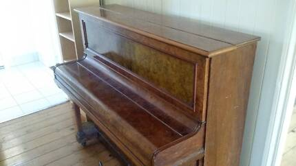 Upright piano - broadwood and sons