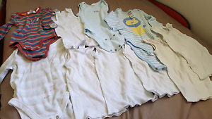 Cheap Body Suits & Singlets  0-6 months in very good condition Springfield Ipswich City Preview