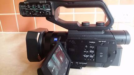 Sony PXW F70 Professional Video Camera