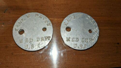 Set of World War I dog tags for Karl W Davey