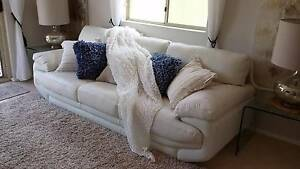 Soft Leather Lounge Suite      As New Hillarys Joondalup Area Preview