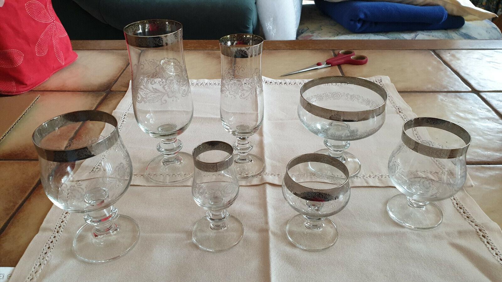 Gläser-Set mit Platinrand  42 Gläser