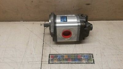 Nos Sauer Danfoss Power Steering Pump 550134011 12414372-001 B5501-33489-160