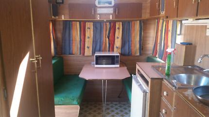 16ft Franklin Caravan with Rego