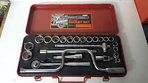 """24pce 1/2"""" Drive SAE ratchet socket set in excellent condition. Ascot Brisbane North East Preview"""