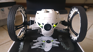 Parrot jumping sump mini drone in excellent condition Glengowrie Marion Area Preview