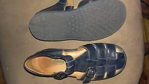 Clarks 13.5 leather unisex summer sandal Lockleys West Torrens Area Preview