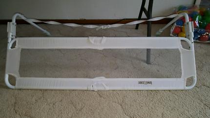 Love n care children / toddler safety bed rail