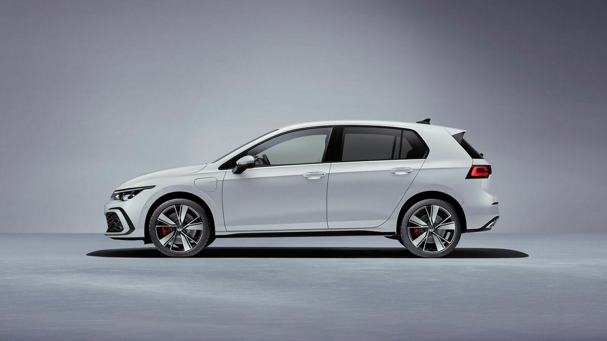 VW Golf 8 GTE 3