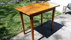 Table. Two seater dinning table or desk. Marrickville Marrickville Area Preview