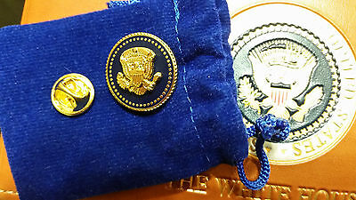 PRESIDENTIAL LAPEL PIN PRESIDENT RONALD REAGEN BLUE COBALT 24 K GOLD-PLATED
