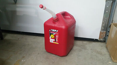 6600 6 Gallon Vented 2 Handle Midwest Gas Can W Free Flow Flexible Nozzlespout