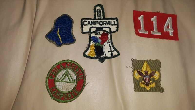 FIVE VINTAGE BOY SCOUT PATCHES CAMPORALL PHILADELPHIA COUNCIL LIBERTY BELL 1950s