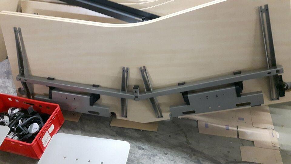 Höhenverstellbar Schreibtisch Steelcase Dekor Ahorn Freiformtisch in Zossen-Glienick