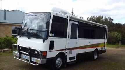 1990 Hino RB145 Motorhome