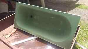 Green cast iron bath tub and basin. Wauchope Port Macquarie City Preview