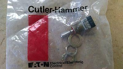 1 Ea Nos Cutler Hammer Dpdt Toggle Switch  Pn Ms21353-841 Alt. 8869k11x