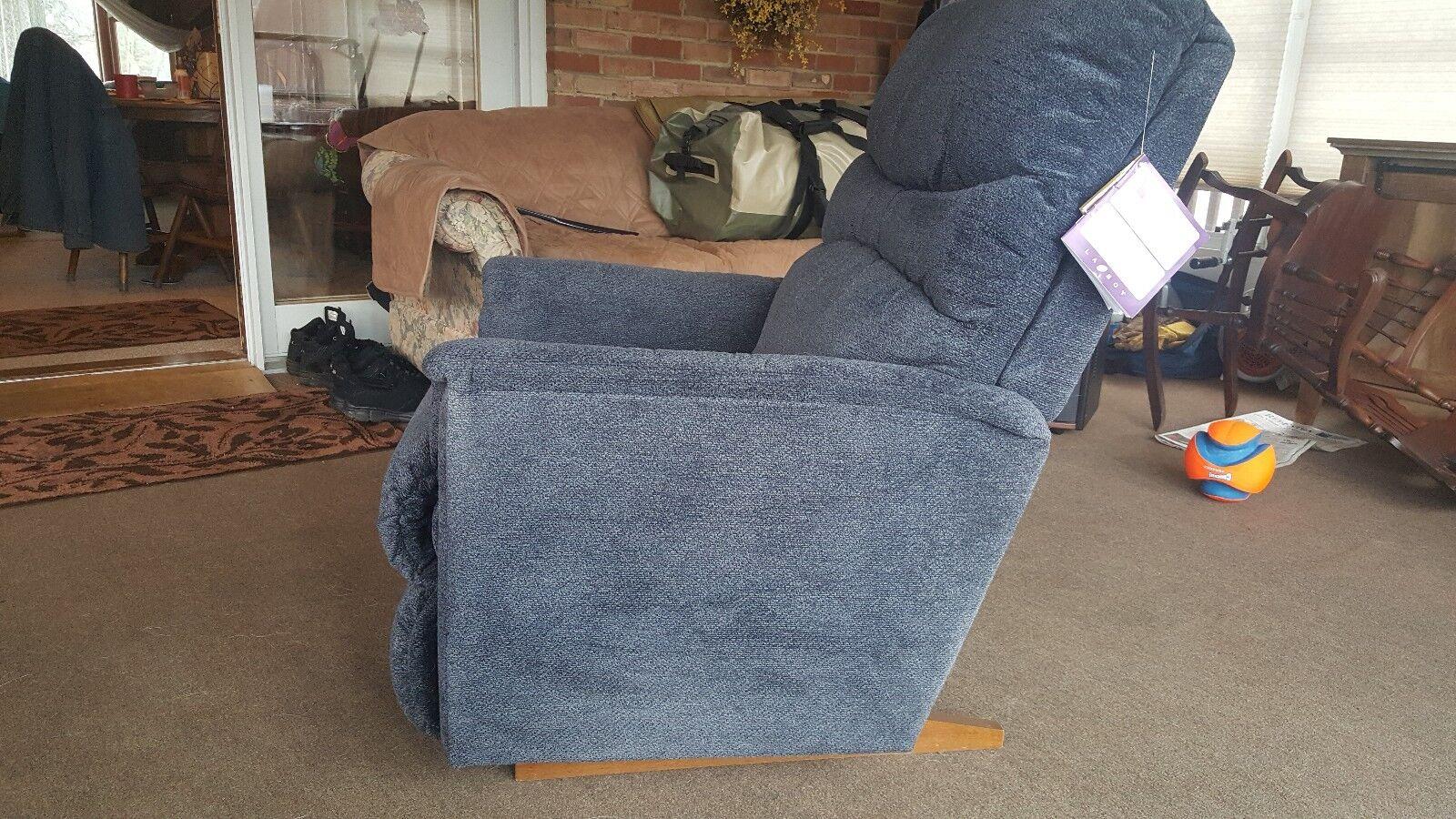 lazy boy power rocker recliner xr Brand new for medium size