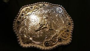 Barrel racing buckle